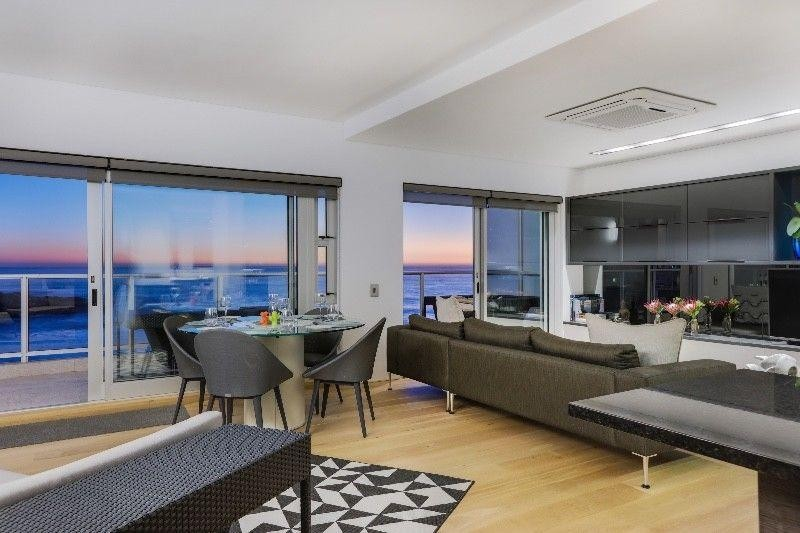 Modern and Fully Furnished 2 Bedroom Apartment To Let in Bantry Bay